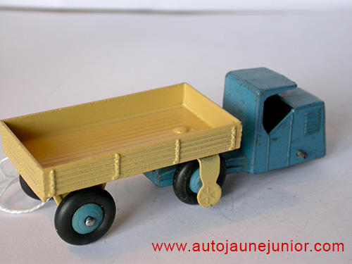 Dinky Toys GB tracteur d'entrepots