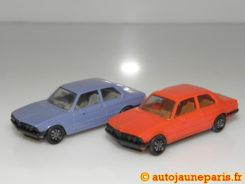 Herpa lot de deux autos (323I)
