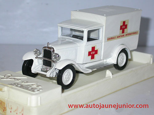 Solido C4F fourgon ambulance