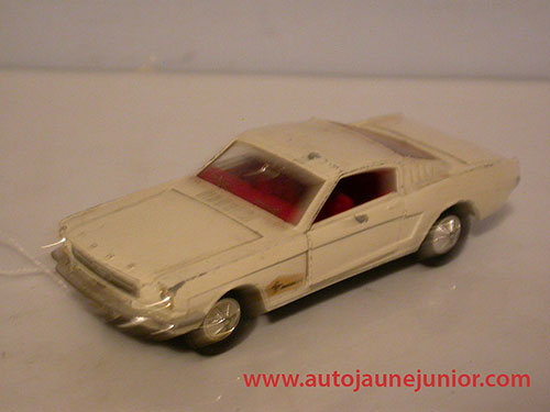 Dinky Toys GB Mustang coupé