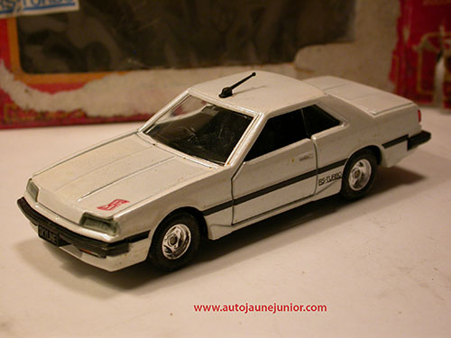 Tomica Skyline 2000RS