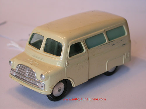 Corgi Toys utilicon ambulance