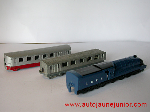 Dinky Toys GB train LNER