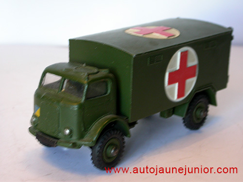 Dinky Toys GB ambulance militraire
